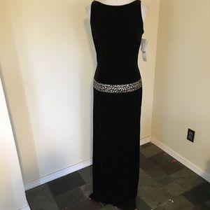 NWT Rimini Backless Velvet Boatneck Sequin Dress